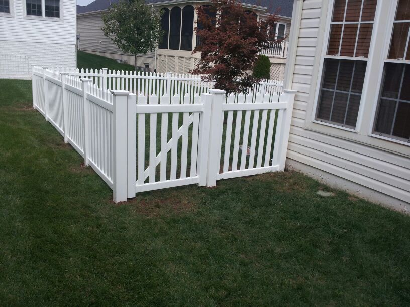 long lasting fencing materials to consider for residential fencing leesburg va