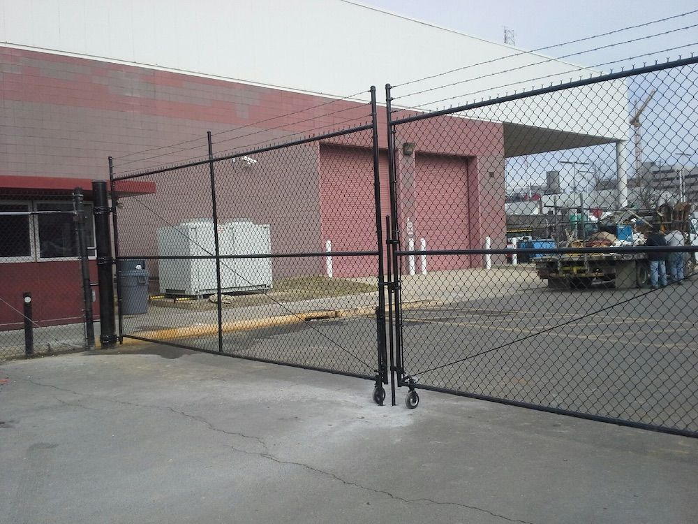 Commerical-Chain-Link-Gate-with-Wheels